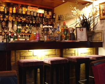 Candlesticks - Stamford - Bar