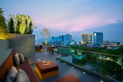 Anantara Chiang Mai Serviced Suites - Чианг-Май - Балкон