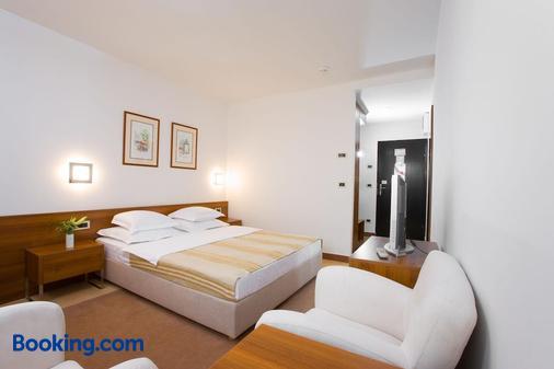 Hotel Laguna - Zagreb - Bedroom