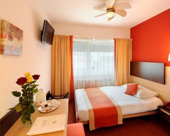 Hôtel Bon Port - Montreux - Schlafzimmer