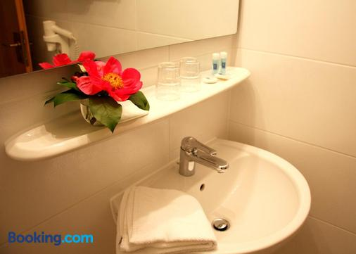 Altes Gasthaus Kuhr - Papenburg - Bathroom