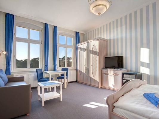 Hotel Villa Seeschlößchen - Heringsdorf - Living room