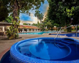 Ghl Hotel Club El Puente - Girardot - Piscina