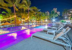 Friendly Vallarta Beach Resort & Spa - Puerto Vallarta - Pool