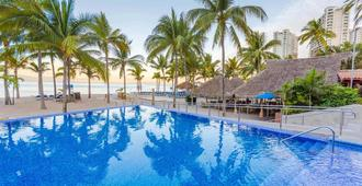 Friendly Vallarta Beach Resort & Spa - Puerto Vallarta - Bể bơi