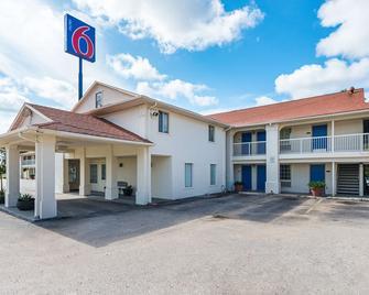 Motel 6 Livingston, TX - Livingston - Building
