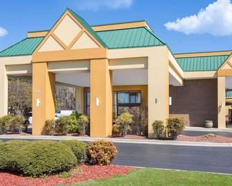 Days Inn by Wyndham Mocksville - Mocksville - Gebouw