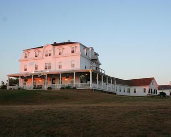 Narragansett Inn - Block Island - Building