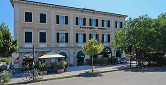 Hotel Rex - Lucca - Building