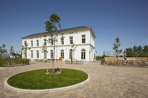 Hotel De Witte Dame - Abcoude - Building