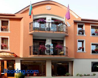 Lucky Hotel - Veliko Tarnovo - Edificio