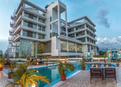 The Solitaire Hotel Dehdradun - Dehradun - Building