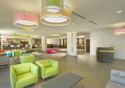 Avanti International Resort - Orlando - Lobby
