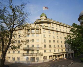 Austria Trend Hotel Ananas - Vídeň - Building