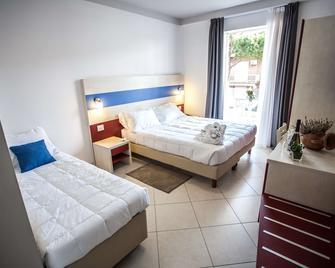 Hotel Oceanomare - Ravenna - Camera da letto