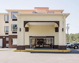 比洛西克海洋春天 6 汽車旅館 - 比勞克斯 - 比洛克西 - 建築
