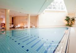 Dorint Strandhotel Binz/Rügen - Binz - Pool