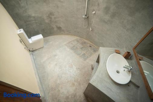 Anawasal - Kalpitiya - Bathroom