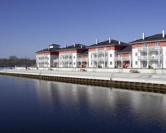 Dorfhotel Boltenhagen - Ostseebad Boltenhagen - Building