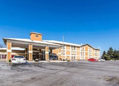 Quality Inn - Dry Ridge - Building