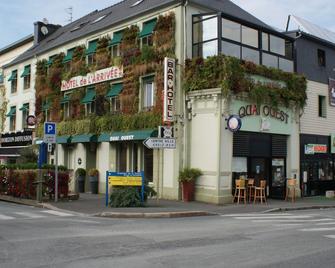 Hôtel De L'arrivée - Guingamp - Building