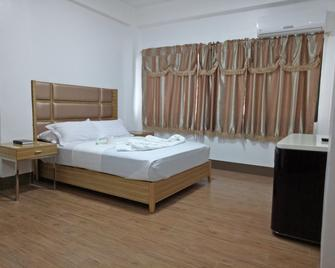 Meaco Hotel -Anilao - Mabini - Bedroom