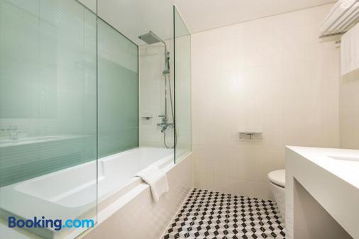 Hotel Peyto Samseong - Seoul - Bathroom