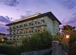 Palace Hotel San Pietro - Bardolino - Bygning