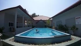 Langkawi Chantique Resort - Langkawi - Pool