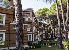 Prestige Resort - Golem - Gebäude