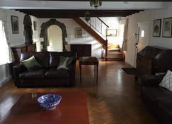 Beautiful Private House and Gardens with Pool - Saint Peter Port - Living room