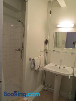 Hôtel De Clèves - Nevers - Bathroom