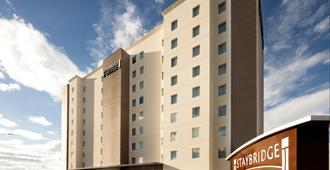 Staybridge Suites Silao - Silao - Gebouw