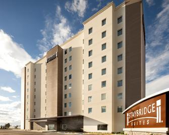 Staybridge Suites Silao - Silao - Building