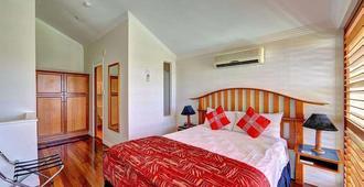 Burnett Riverside Hotel - Bundaberg - Bedroom