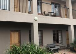 Africa Footprints Guest House - Kempton Park - Building