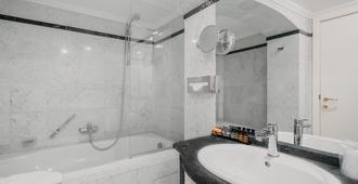 Hotel Manos Premier - Brussels - Phòng tắm