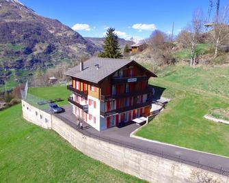 Gruppenhaus Rosy - Grächen - Building