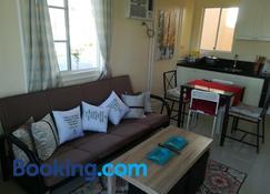 Belle Court Apartment - Santa Rosa - Sala de estar