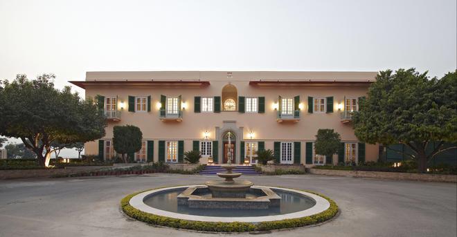 The Gateway Hotel Ramgarh Lodge Jaipur - Jaipur - Edificio