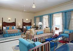 The Gateway Hotel Ramgarh Lodge Jaipur - Jaipur - Bedroom