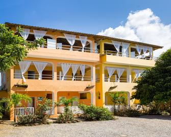 De Luz Hotel - Samana - Gebouw