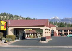 Super 8 By Wyndham Nau Downtown Conference Center - Flagstaff - Building