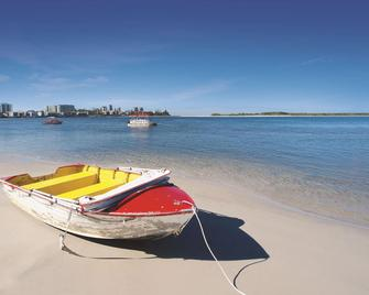 Oaks Sunshine Coast Oasis Resort - Калундра - Пляж