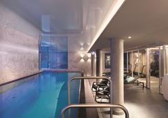 漢堡倉庫區阿迪娜公寓酒店 - 漢堡 - 游泳池