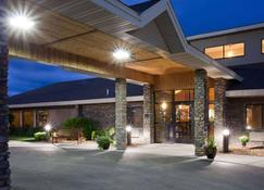 AmericInn by Wyndham Thief River Falls - Thief River Falls - Building