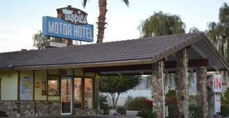 Tropics Motor Hotel - Indio - Toà nhà