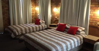 Golf Links Motel - Tamworth - Bedroom