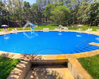 Nacional Inn Araxá Previdência - Araxá - Pool