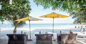 Vongdeuan Resort - Ko Samet - Beach